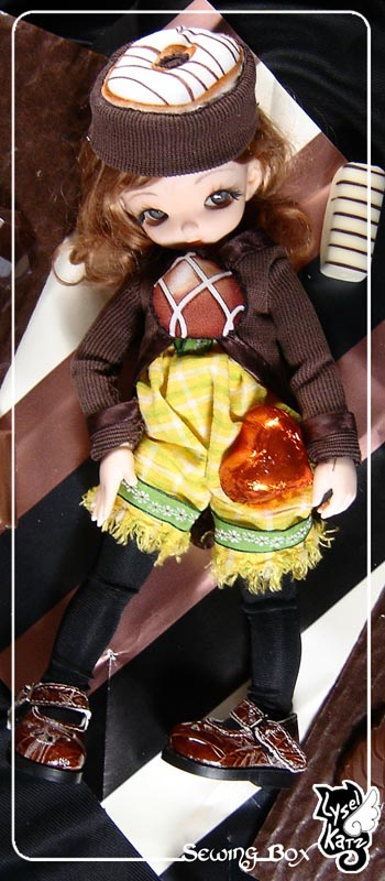 Lysel Katz sewing box > manteau acidulé & flashy p8 - Page 6 LyselSb_ana-XmasChocolate00s