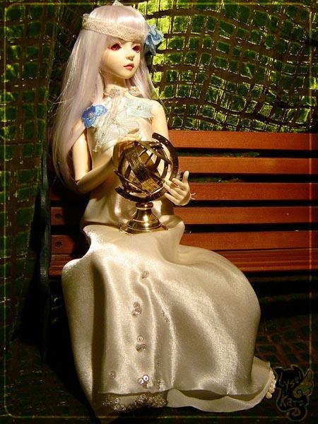 Lysel Katz sewing box > manteau acidulé & flashy p8 - Page 3 LyselSb_camelia-whitedress12s